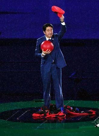 リオデジャネイロオリンピックの閉会式には、安倍総理大臣がマリオになって登場。東京五輪をアピールしました。リオ五輪 2016