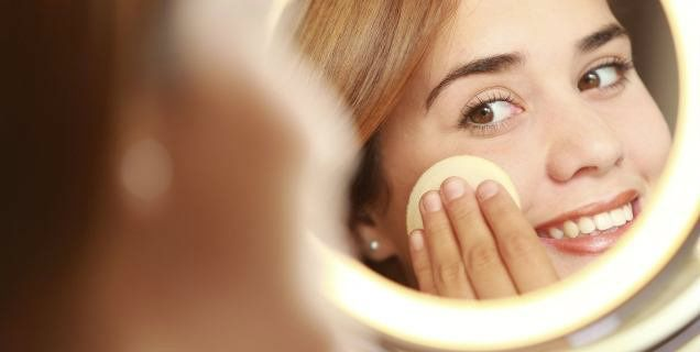 Un make-up bello che dura a lungo dipende da una solida base trucco. Scopriamo…