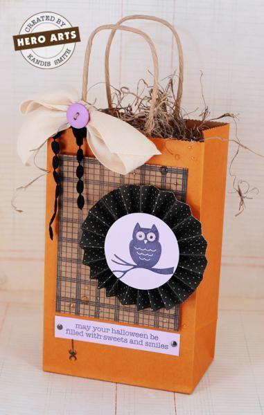 Halloween Inspiration: CUTE GIFT/GOODIE BAG!: De Caja, Cards Ideas, Gifts Goodies Bags, Halloween Bags, Halloween Inspiration, Caja De, Halloween Gifts Bags, Halloween Ideas, Bags Ideas