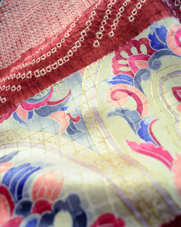 """Introducing vintage Kimono, a traditional Japanese robe for both men and women. Worn as an undergarment and overgarment. The word Kimono means """"things to wear"""". These T-shaped robes is wrapped around"""