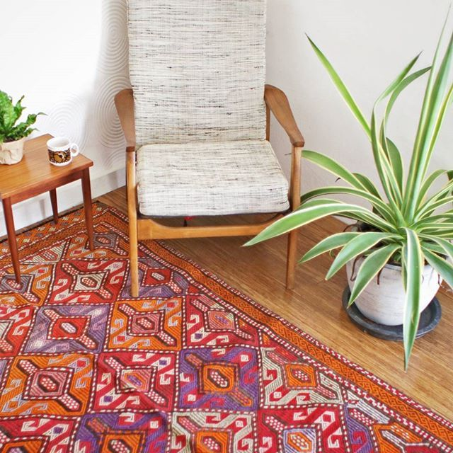 One of my favourite Turkish kilims  Currently digging the vibrant colours  Find this one and more at thekilim.co .  #thekilimco #turkishkilim #turkish #kilim #kilimrug #turkishrug #jungalowstyle #vibrantcolours #homestyle #boho #bohodecor  #livingroom #finditstyleit #bohemianstyle #apartmenttherapy #