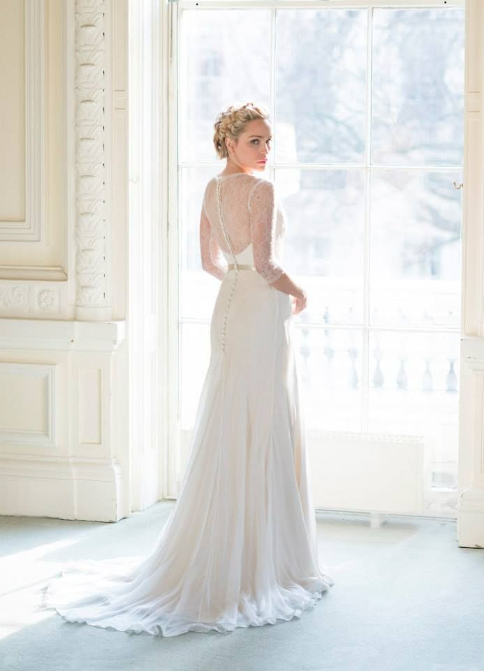 Naomi Neoh Secret Garden Collection 2014 - A lovely bridal collection by Naomi Neoh Atelier inspired by Pre-Raphaelite art work and the Edwardian Era.
