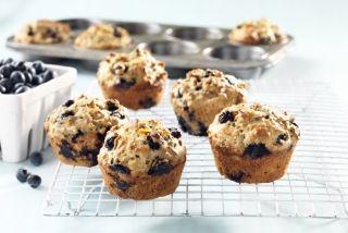 Muffins au son, aux bleuets, à l'orange et au yogourt