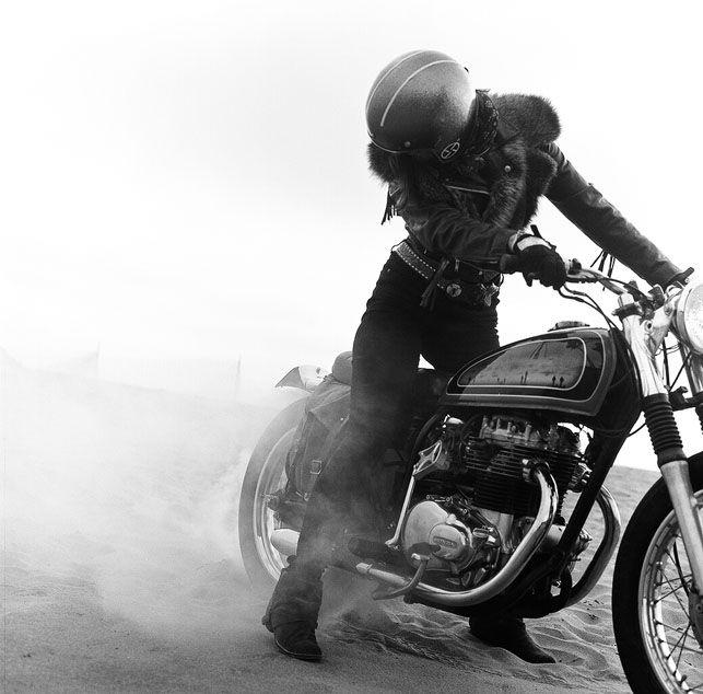 """Female biker. """"Kvinder og deres motorcykler - Euroman"""