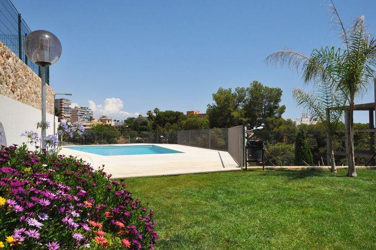 Cala Mayor/ San Agustin, Palma de Mallorca: Fin nybyggd lägenhet med terrass och trädgård i Cala Major