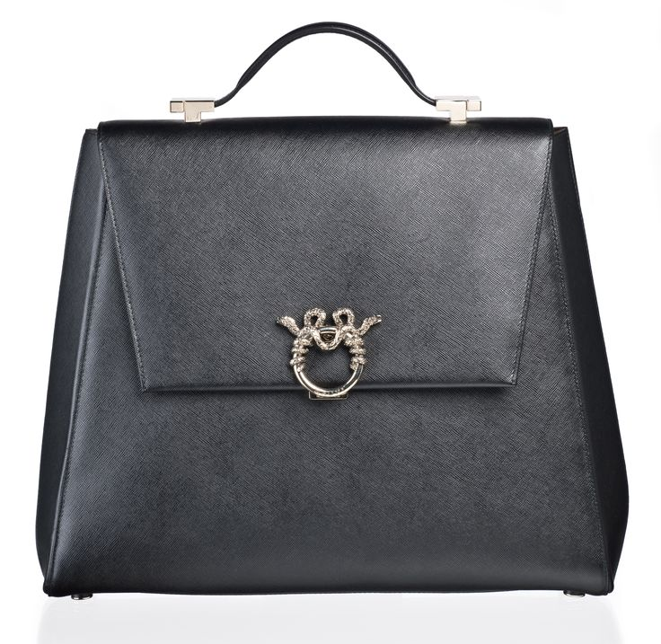 "MAGRÌ ""WORLD TRAVELER"" shown in Saffiano Leather  #magri_handbags #magri #craftedinflorence #italianstyle #TimelessElegance #Sophisticated #MadeInItaly #italianCraftmanship #ItalianGlamour #luxuryHandbags #Handbags #powerbags #magribag @magriofficial #gentlemanclub #etabetapr #magripress www.magri.com"