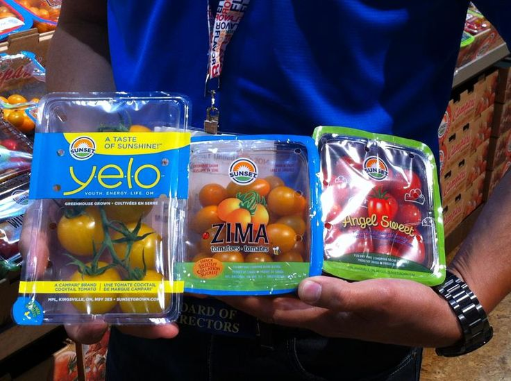 New plastic produce packaging spotted at the United Fresh show encourages snacking on fresh fruits and vegetables and offers new meal solutions.