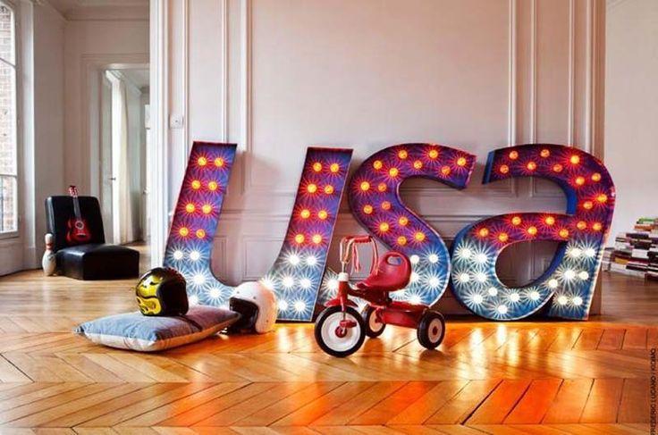 Inspiração: As letras iluminadas têm feito tanto sucesso na hora de decorar. por Eduardo Mendes.