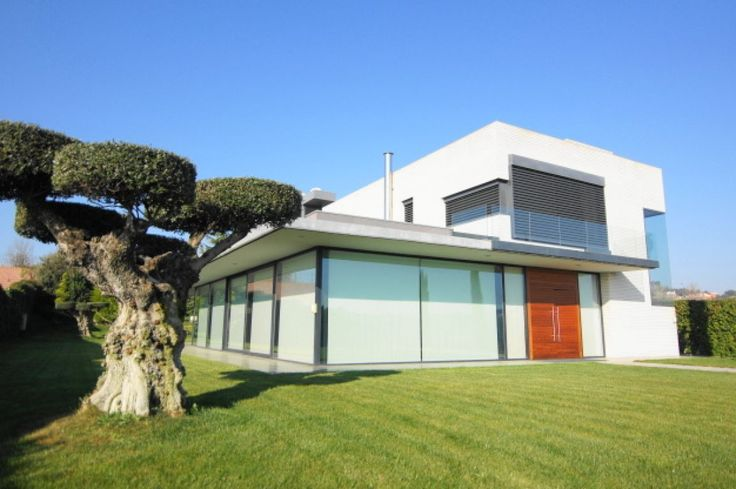 #Chalet en venta #Sant Esteve Sesrovires #Golf Masia Bach  Extraordinario chalet en el Club Masía Bach  http://qoo.ly/hbc2m  SEPFINQUES   M 677415782   Ronda Universitat 7 2-4   BCN