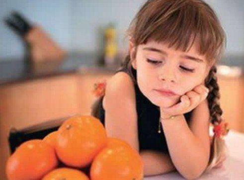 = ПИЩЕВАЯ АЛЛЕРГИЯ =  #sarasvati_club_аюрведа     С точки зрения Аюрведы аллергены — это тончайшие частицы, обладающие высокой энергией и способные раздражать нервные окончания. Проявление пищевой аллергии вначале может быть результатом воздействия аллергенов, однако в конечном итоге аллергические ре-акции обусловлены повышенной чувствительностью самой нервной системы.      В возникновении пищевой аллергии играют важную роль стрессы, в особенности сопровождаемые беспокойством и волнениями, а…