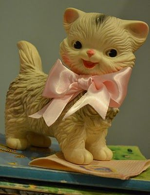 Oh! I just got this kitty(minus the bow) last year at the Bridgeton covered bridge festival. I luv her!
