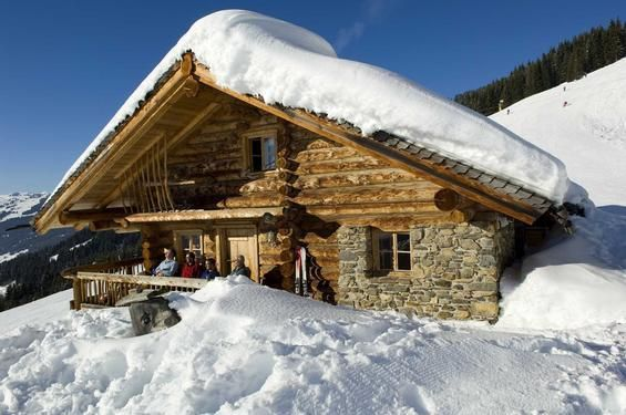 Apartment in Saalbach-Hinterglemm in the Winter _ Saalbach Hinterglemm is located in the Glemmtal at an altitude of approx. 1000 m and 25 km to the North West of Kaprun and consists of the villages of Saalbach and Hinterglemm. Saalbach is the largest and the most chic of the two villages. You can still enjoy a village atmosphere in Hinterglemm.