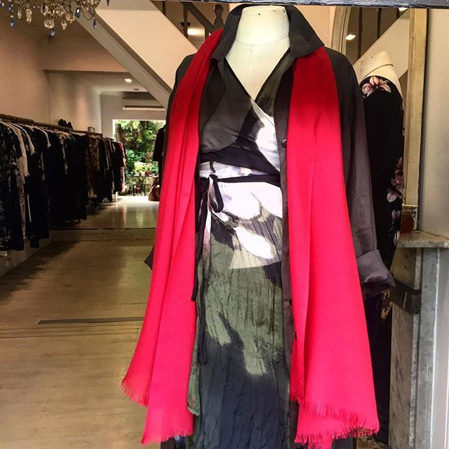 Stunning colours available in cashmere scarves... In store now...#cashmerescarves #red #black #duskypink #olive #frenchnavy #ivory