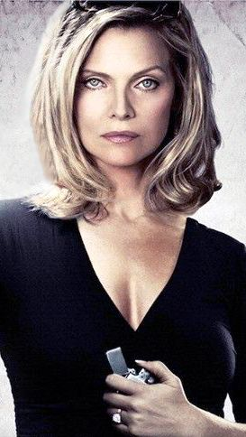 Michelle Pfeiffer in the movie The Family / Malavita.