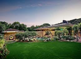 Casas de estilo moderno por #TAO #Architecture Pvt. Ltd., #NEST, #Residence, #Green, #luxury #pune