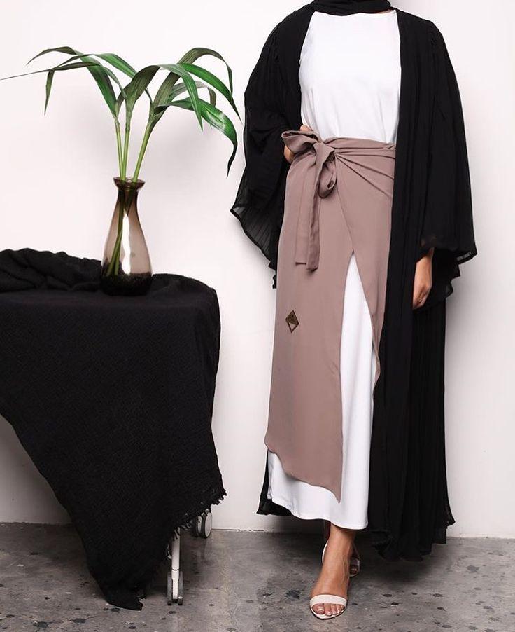 IG: La.Femme__ || IG: Beautiifulinblack || Modern Abaya Fashion ||