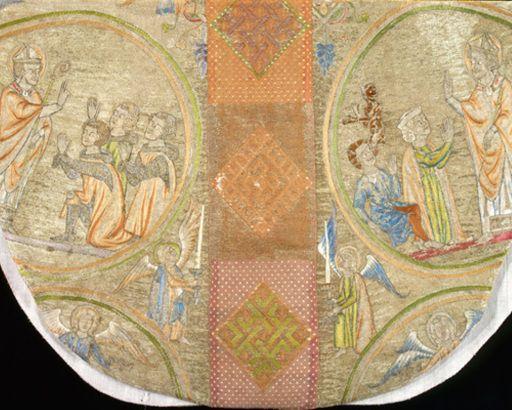 Particolare dal Piviale della Vergine, indossato da Innocenzo III e Bonifacio VIII, seta ricamata - Manifattura inglese. XIII sec.  - Anagni, Museo del Tesoro della Cattedrale.