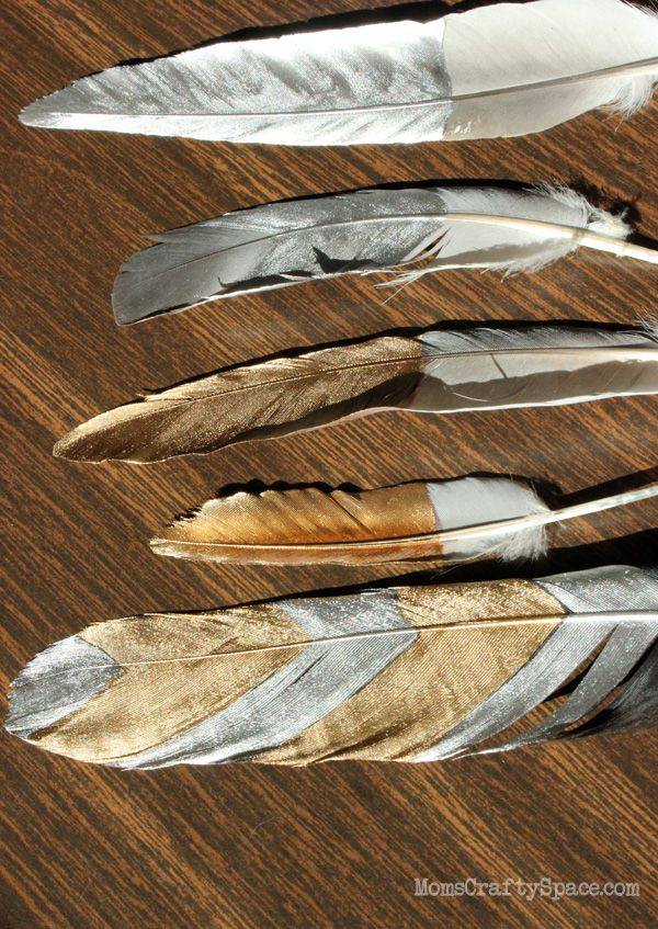 DIY Gilded Feathers ~ could be pretty added into a vase