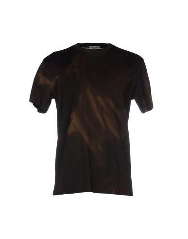BALENCIAGA T-shirt. #balenciaga #cloth #top #pant #coat #jacket #short #beachwear