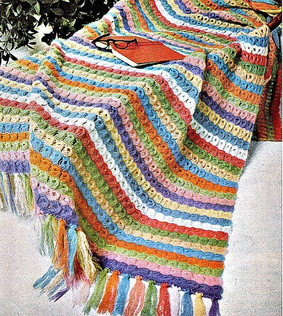 Arco iris escoba cordón del ganchillo manta por PearlShoreCat
