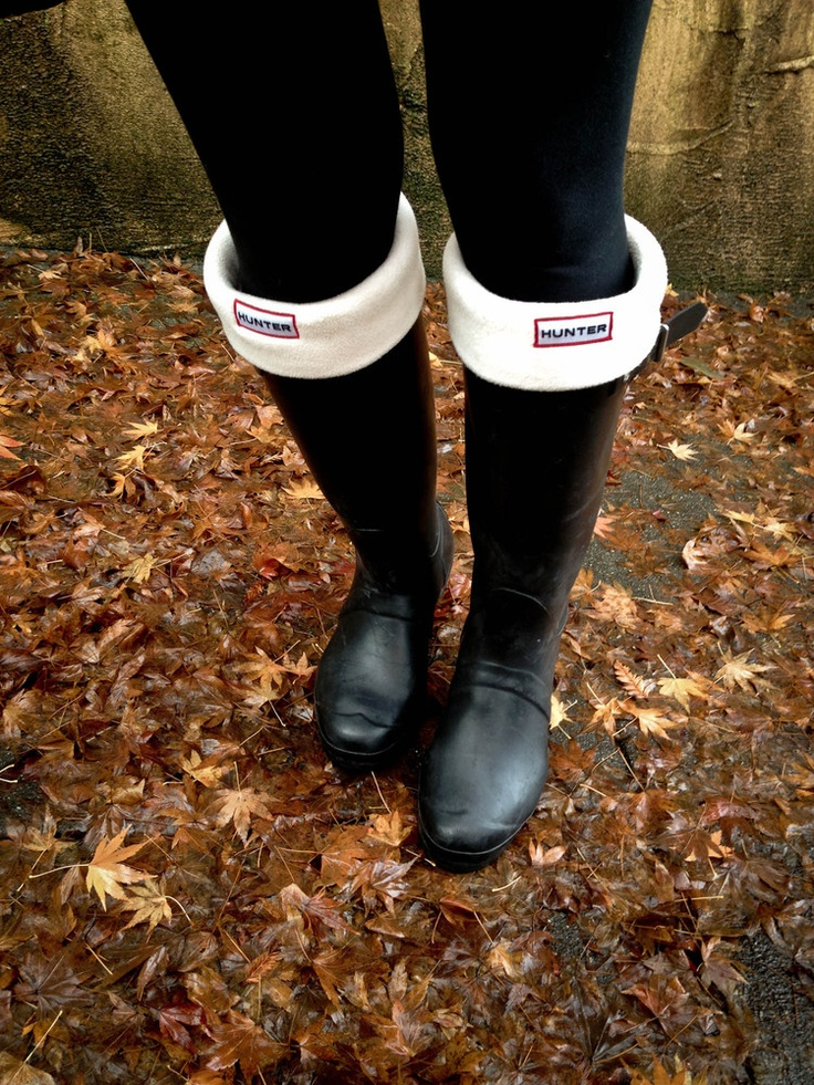 black hunter boots with cream fleece welly socks