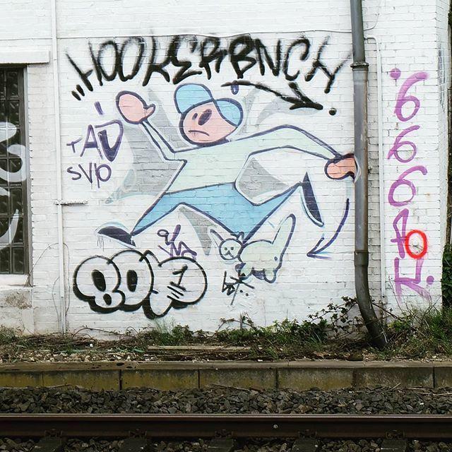 **S-Bahnhof Unterrath** #düsseldorf #dusseldorf #duesseldorf #nrw #Deutschland #germany #igersduesseldorfofficial #lovedüsseldorf #ig_düsseldorf #landeshauptstadt #dus #schönstestadtamrhein #0211 #nullzwoelf #thisisdüsseldorf #mydüsseldorf #likedüsseldorf #grafitti #art #wallart #instagrafitti #sprayart #spray #streetart #spraypaint  #fassade #instalikes #urbanart #sreetartatlasdüsseldorf #taglifegraffiti