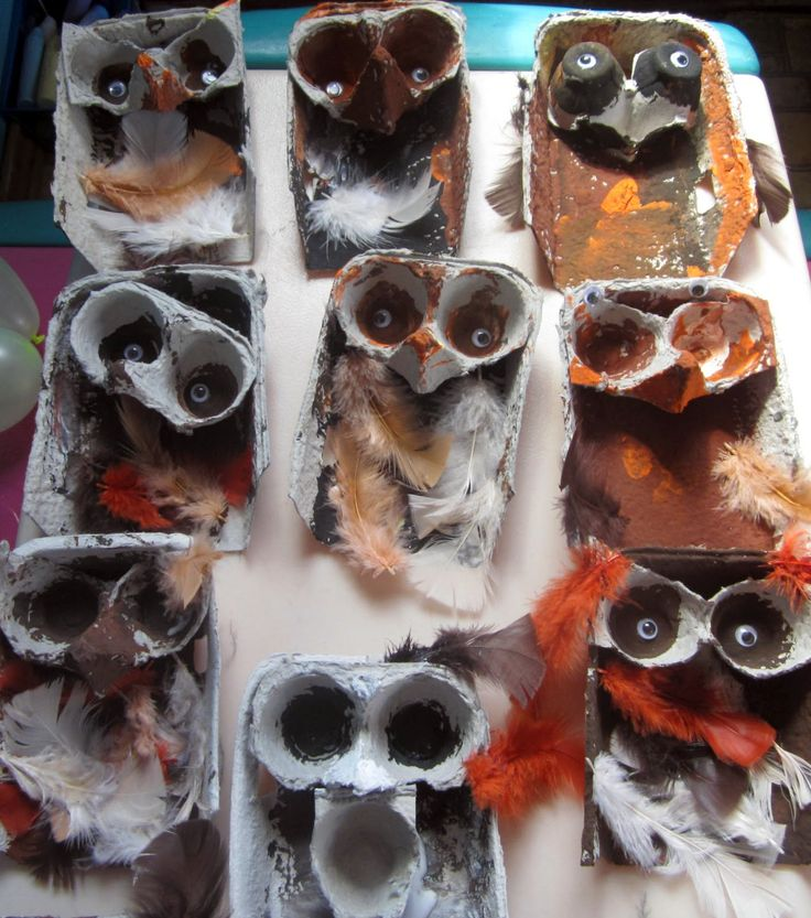 art and soul preschool: Bird Project. Owls using egg cartons, paint, and feathers. Reusing project for earth day.