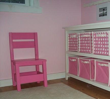 DIY Furniture : DIY Childrens Storage Chair