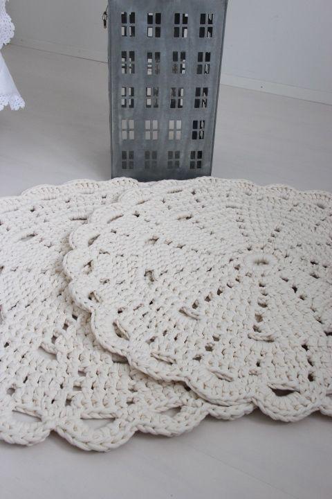 Virkattu 80cm matto (trikookude luonnonvalkoinen)