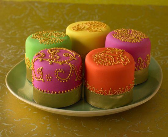 Bollywood Cupcakes. #Tortendekorieren #Bollywood #Cupcakes