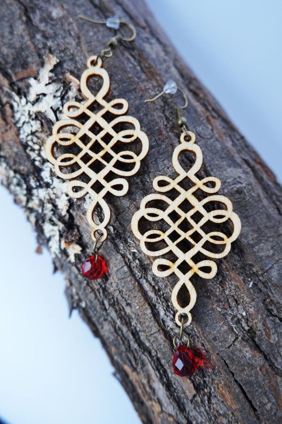 Filigree Laser Cut Wood Earrings / vintage women by Lubawastyle