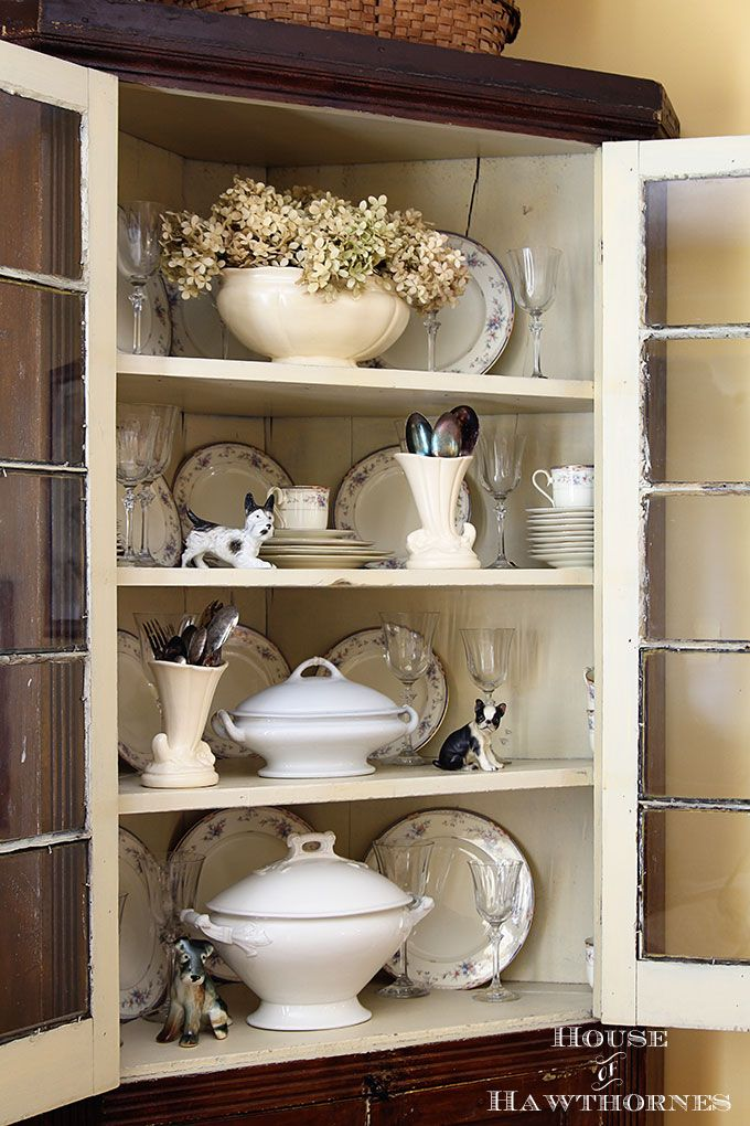 25 best ideas about corner china cabinets on pinterest. Black Bedroom Furniture Sets. Home Design Ideas