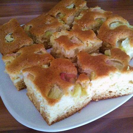 Egy finom Bögrés rebarbarás süti ebédre vagy vacsorára? Bögrés rebarbarás süti Receptek a Mindmegette.hu Recept gyűjteményében!