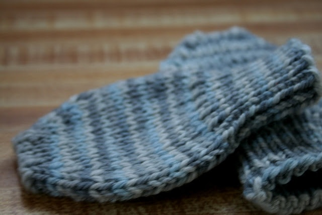 Knit thumbless baby mittens