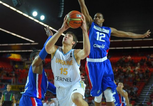 Украинская сборная по баскетболу выиграла первый матч на ЧМ