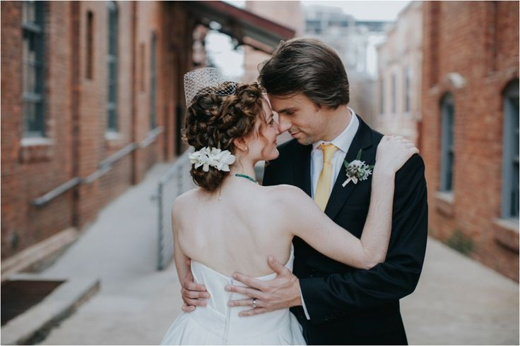 North Carolina Wedding Photography | Meghan & Josh | Raleigh Durham Cotton Room » Jenny Smith and Co.