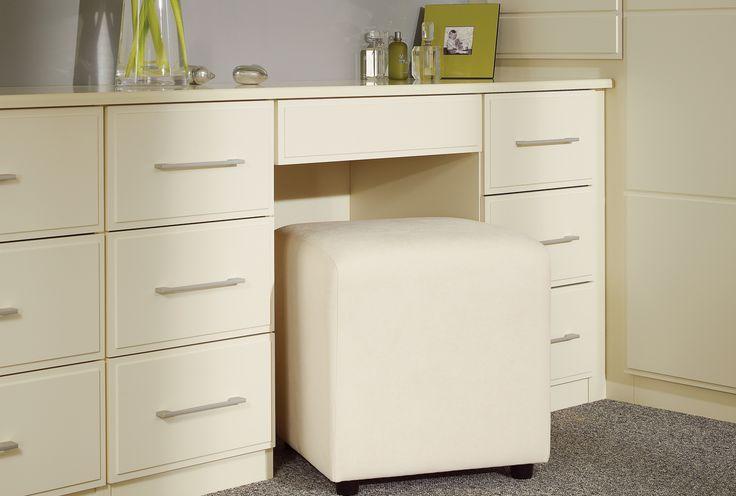 1000 ideas about cream bedroom furniture on pinterest. Black Bedroom Furniture Sets. Home Design Ideas