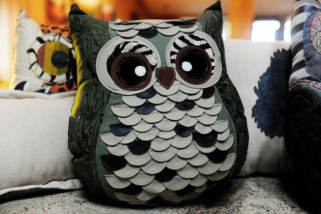 LOVE these owl pillows!