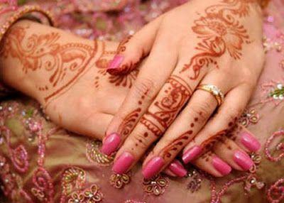 Beautiful Mehndi Design 04