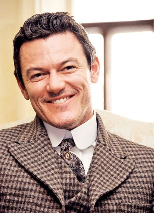 luuuuuke-evans:Luke Evans at 'The Alienist' Set Visit on April...