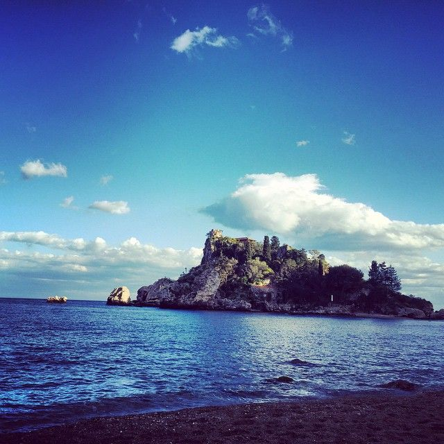 """We don't call it """"L'Isola Bella"""" for nothing...always breathtaking  #experiencetaormina #sicilylifestyle #taormina #sicily #shotinsicily #taorminaismylove #sicilyismylove #instasicily #ig_sicily #sicilytravel #expo2015 #lovingsicily"""