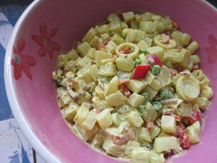 Low Carb Rezepte von Happy Carb: Kohlrabi-Curry-Salat - Ein gemüsiger Salat, der einem beim Grillen gleich den Curry-Dip erspart.