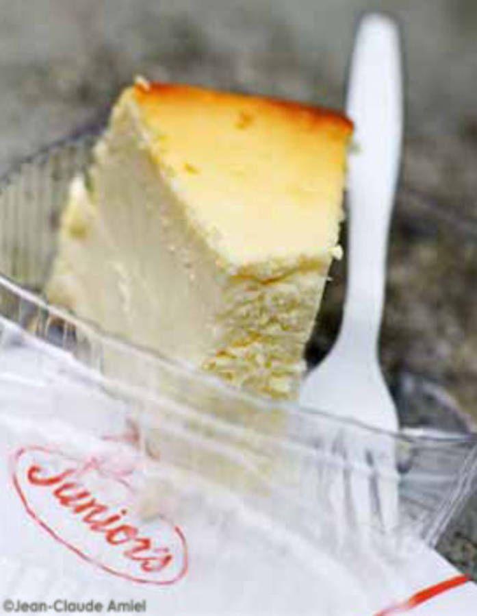 Impossible de résister à ce mythique gâteau new-yorkais : le cheesecake ! Fondant et généreux, il se compose d'une base biscuitée, d'une garniture cr�...
