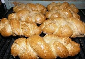 Tmavé housky pro domácí pekárnu