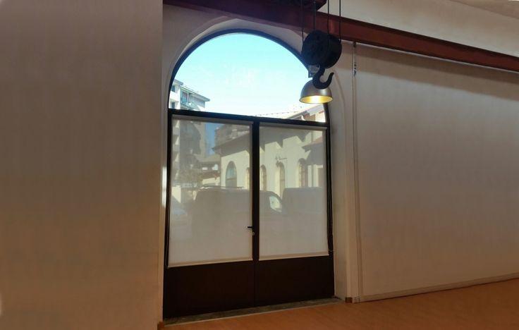 Porte in ferro battuto e vetro su misura in provincia di Monza Brianza e a Milano. Porte in ferro pratiche ma sicure per interni ed esterni. Contattaci!