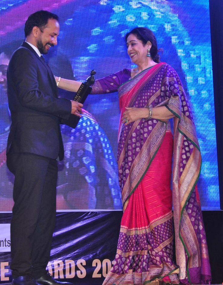 Deepak Dobriyal and Kiron Kher at Dadasaheb Phalke Excellence Awards 2016