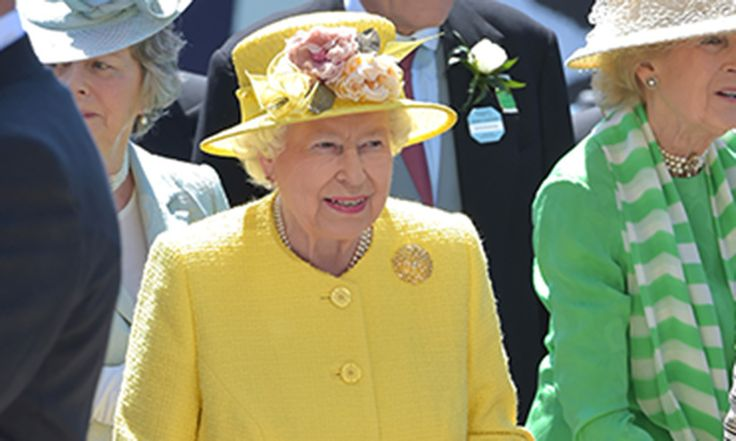 The Queen enjoys a day in the sunshine at the Epsom Derby!