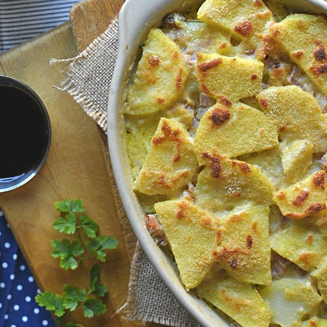 ✔️️Receta: Pastel de patata, jamón y queso. ✔️️ Dificultad: Fácil. ✔️️ Tiempo de elaboración: 90 min. ✔️️ Sabor: Jolgorio infinito para nuestro paladar 😋