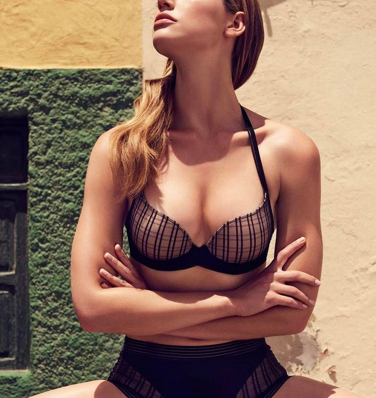 From work to happy hour your next new bra is here in a playful plaid pattern. Meet Jett by Marie Jo available at Coup de Foudre Lingerie. Matching thong available too.