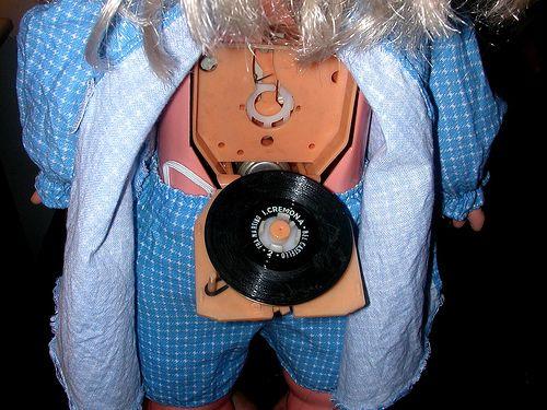 Bambole-Italocremona-particolare-disco
